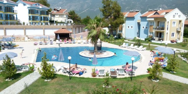 Apartment in spacious complex in Fethiye for rent